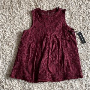 Lace Sleeveless top. Lined